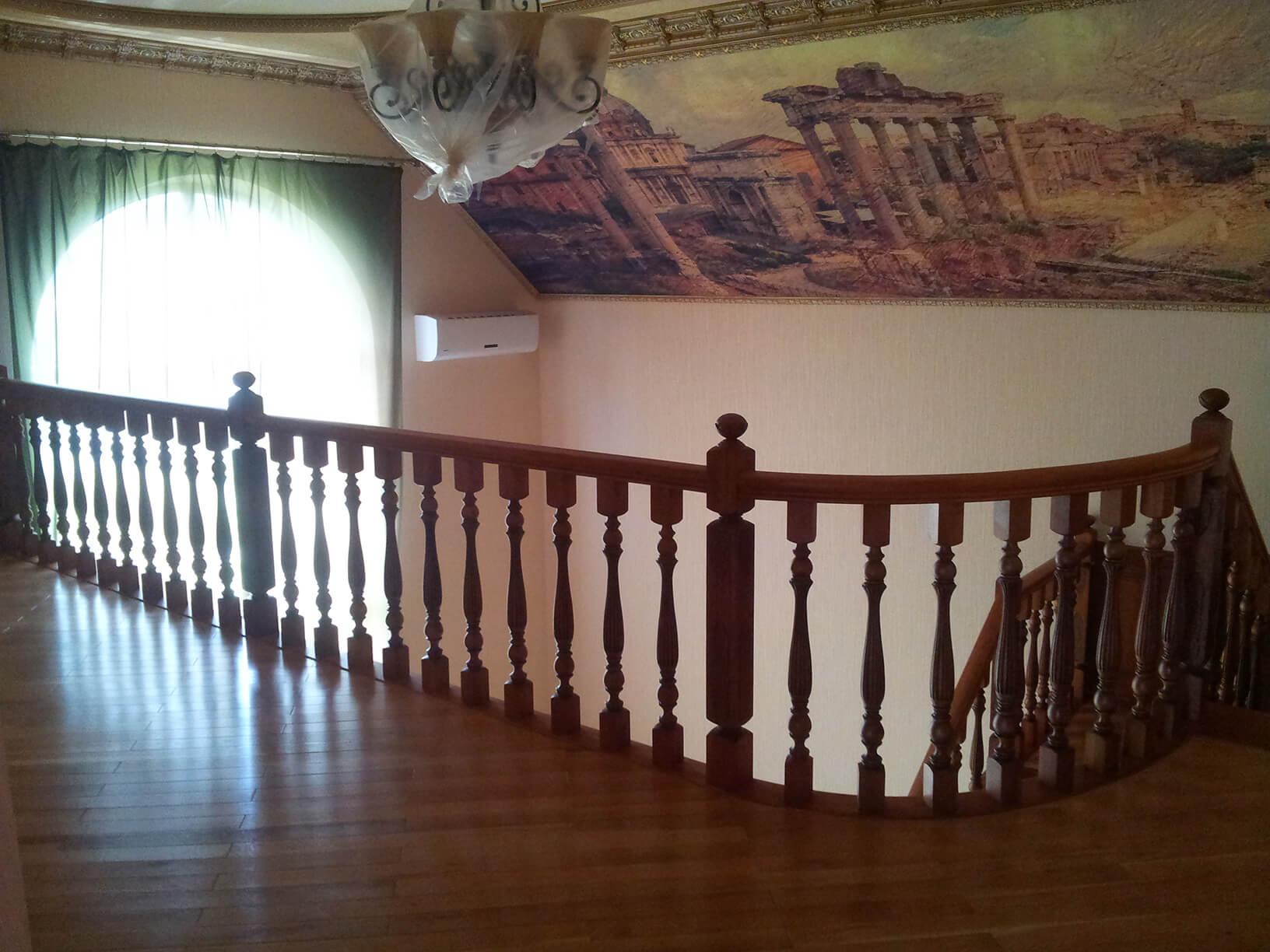 Деревянные лестницы на заказ в Краснодаре - 3 фото