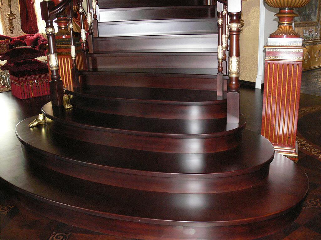Деревянные лестницы на заказ в Краснодаре - 8 фото